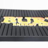 La promoción de tamaños personalizados de PVC suave relieve Bar Mats