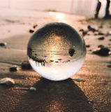 Hermosa bola de cristal para tomar fotos y decoración.