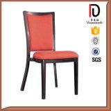 Verwendete Gaststätte, die Stuhl mit Aufhängung speist