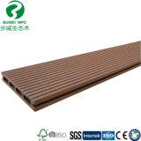 Plancher composé en plastique en bois pour extérieur