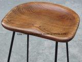コーヒー木の椅子のバースツールを食事するレストランの余暇の金属