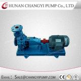 L'eau chaude de la pompe à eau du moteur électrique de pompe