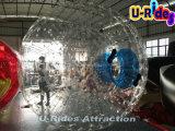 Grande sfera gonfiabile di Zorb per la sosta dell'acqua