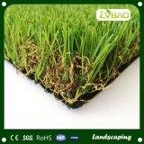 Erba artificiale di sguardo naturale di alta qualità per il giardino domestico