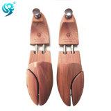 カスタマイズされたブランドのロゴのヒマラヤスギの木製の高品質の靴の木