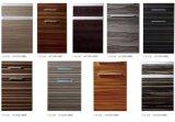 Woodgrainのハンドル(zhuv)が付いている紫外線食器棚のドア
