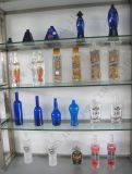 China-Großhandelskristallalkohol-Flasche mit Frosting und Abziehbild