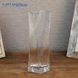 De witte Berijpte Vaas van het Glas voor de Decoratie van het Huis