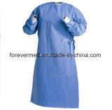 Robes en plastique remplaçables d'hôpital de trou de pouce de robe de CPE de vente chaude