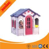 幼児の小さい屋内運動場のプラスチックプレイハウス
