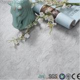 Carrelage de marbre lustré de vinyle de PVC de cliquetis de texture d'anti glissade