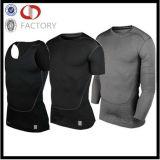 カスタム体操の適性の摩耗のワイシャツに着せている連続したスポーツの人