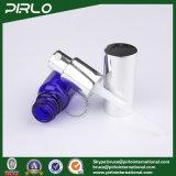 Kobalt-Blau-Flaschen mit silberner Pumpe und Schutzkappe