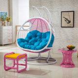 Cadeira de balanço de ovo de vime de assento duplo Cadeira de balanço de sala de estar Mobília de exterior de luxo (D155)