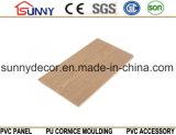 Painéis de parede em PVC de madeira, telhas decorativas de PVC, China Fabricantes de tectos de PVC