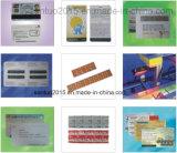 Equipo todo junto de la personalización de la tarjeta de Santuo (impresión y etiquetado)