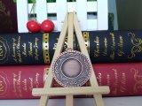 Medalha de bronze vermelha antiga da inserção do espaço em branco do chapeamento para a concessão