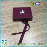 Rectángulos de regalo impresos insignia blanca de la joyería con la cinta de seda