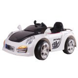 A cor branca clara colorida caçoa o carro elétrico