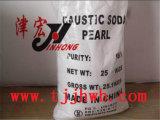 De Parels van de bijtende die Soda in Industrie van de Pulp van het Papier worden gebruikt