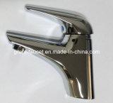 新しいLaunched Bathroom Basin TapおよびFaucet (GL3301A33)