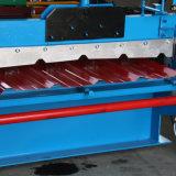 Schroffe Rippen-Blech-Rolle, die Maschine bildet