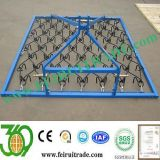 Arrastró 3 Way Harrows incorporar fertilizantes en el suelo
