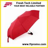 Un parapluie autoportant autoportant autoportant personnalisé avec logo