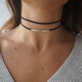2017 de Dubbele Halsband van de Nauwsluitende halsketting van het Leer van de Torsie van de Laag Zwarte Korte