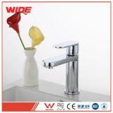 Rubinetto moderno del bacino per la stanza da bagno, accessori del rubinetto della stanza da bagno