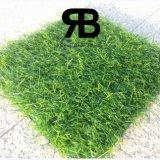 16800tufs/Sqm que ajardina la hierba artificial del sintético del césped del césped de la alfombra de la decoración del jardín