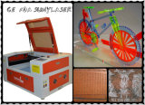 Tamaño pequeño grabador láser 50W para la artesanía de China