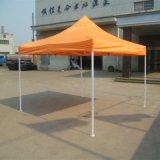 Tente de pliage commerciale d'extérieur usée