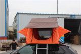 يخيّم سقف خيمة علويّة لأنّ يسافر