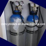 Cilindri di ossigeno medici dotati ambulanza