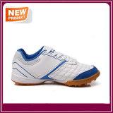 販売のための男子フットボールの靴