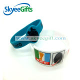 Custome ha fatto i braccialetti in bianco del silicone
