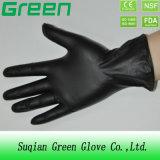 Черная перчатка винила