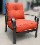 最新の優雅な庭の家具の鋳造アルミの雑談のグループセット