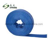 En PVC de haute qualité de l'irrigation des terres agricoles de l'eau Layflat flexible sur le terrain