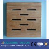 Painel acústico de madeira decorativo disponível da cor diferente