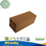 De houten Plastic Samengestelde Post van de Leuning van de Tuin (90*90 mm) met de Prijs van de Fabriek