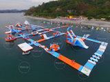 Парк воды Филиппиныы гигантский раздувной плавая