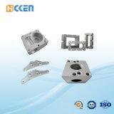 カスタム精密鋼鉄CNCの機械装置4の軸線CNCの回り、製粉の部品