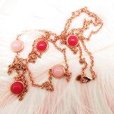カスタムロゴのローズの金の鎖の赤い石造りの宝石類のネックレスセット