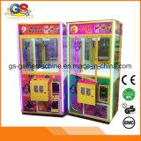 Governi di legno della galleria delle slot machine della gru della gru del giocattolo di DIY con i giocattoli all'interno