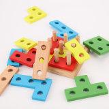 Brinquedos robustos de classificação geométricos das crianças do enigma da pilha da placa do reconhecimento de madeira da cor da forma
