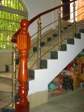 Ss de Stevige Houten Trap van de Kolom van het Roestvrij staal van de Leuning