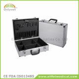 医学のレスキューアルミニウム緊急時の救急箱