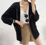 Подгонянное Collarless черное пальто куртки с застежкой -молнией